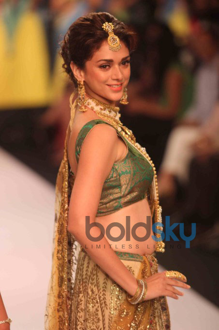 IIJW'13 Day 3: Aditi Rao Hydari Turns Showstopper
