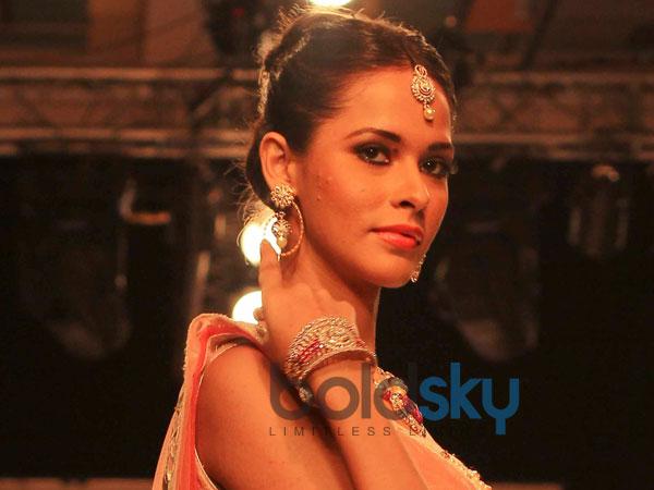 Earrings Designs With Anarkali Dresses