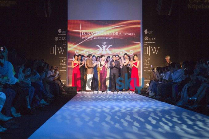 Kristina Akheeva Walks At IIJW 2013