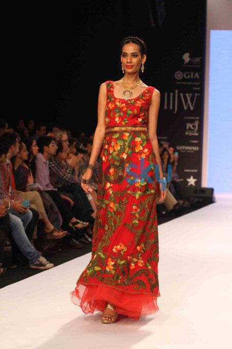 IIJW'13: Prisha By Rashi Rochwani