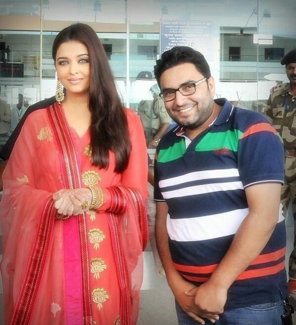 Aishwarya Rai Bachchan At Inaugration of Kalyan Jewellers At Ludhiana