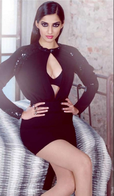 Black And Hot Dress Sonam Kapoor Photos Pics 242405 Boldsky Gallery