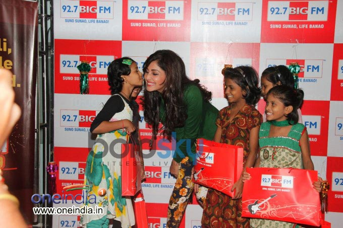 Pooja Chopra celebrates Diwali at 92.7 BIG FM