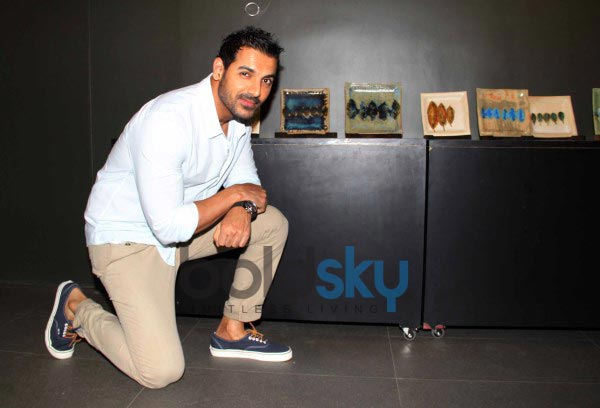 A Dialogue in clay by Shalan Dere with John Abraham