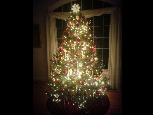 Significance Of Decorating Christmas Tree With Ornaments