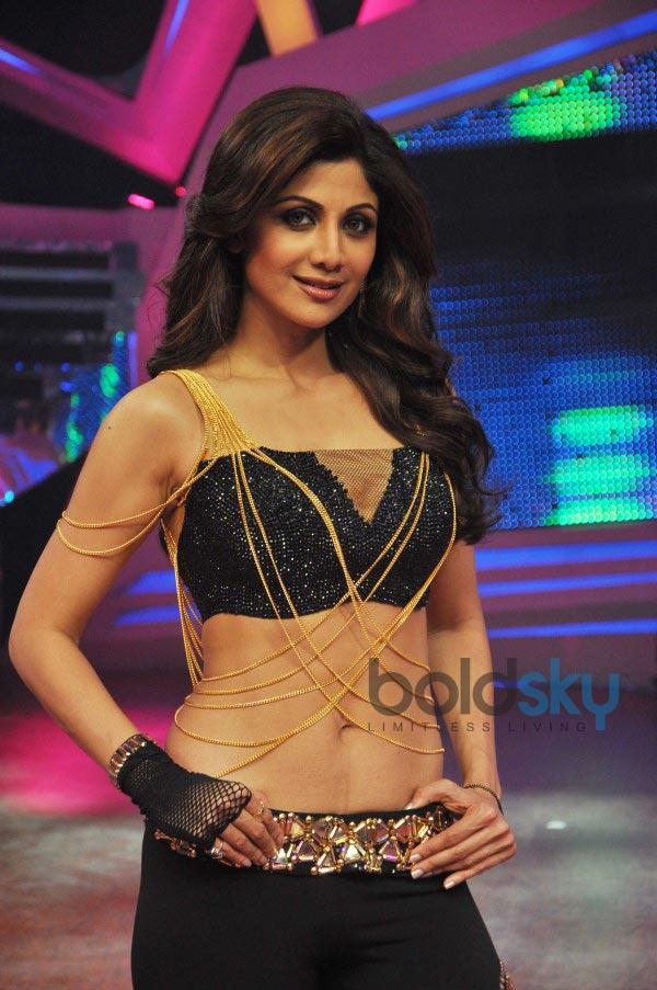 Shilpa Shetty Kundra stuns at Nach Balliye Grand Finale