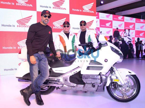 Akshay Kumar at Honda Stall during Auto Expo 2014