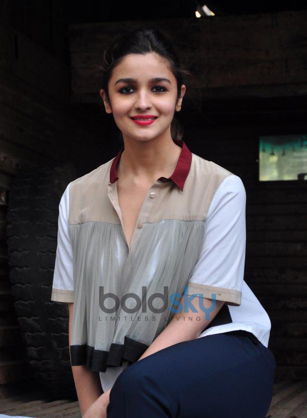 Alia Bhatt stuns during Highway Promotions