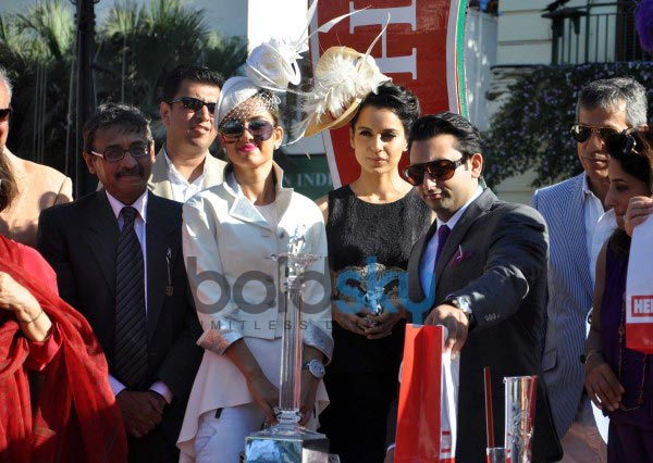 Bollywood celebs stuns at Mahalaxmi Race Course