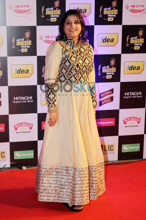 Bollywood celebs stuns at Mirchi Music Awards 2014
