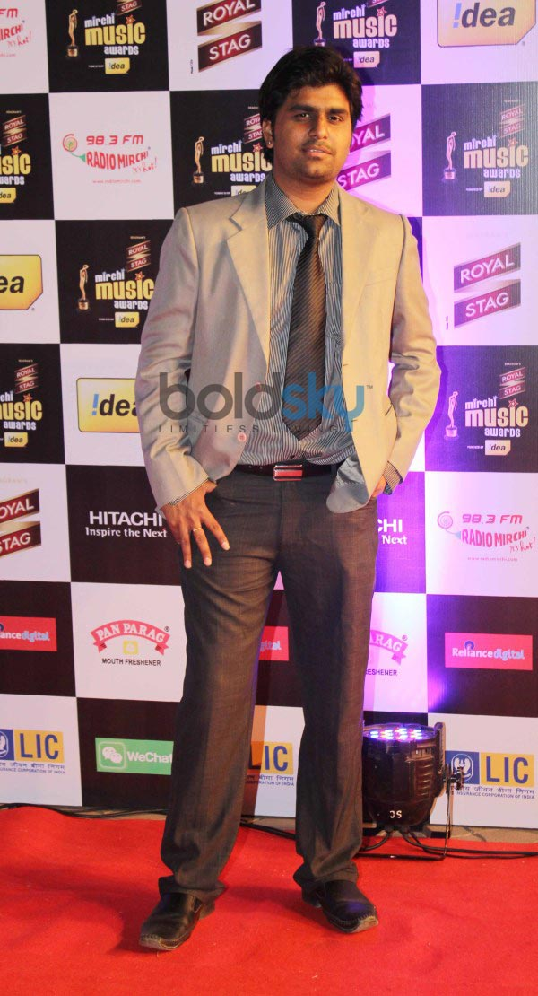 Bollywood celebs stuns at Mirchi Music Awards 2014