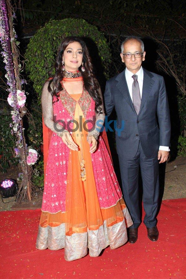 Juhi Chawla Stuns At Aahana Deol And Vaibhav Vora Wedding Reception Photos