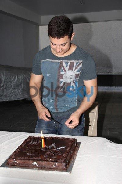 Aamir Khan Birthday bash in bandra
