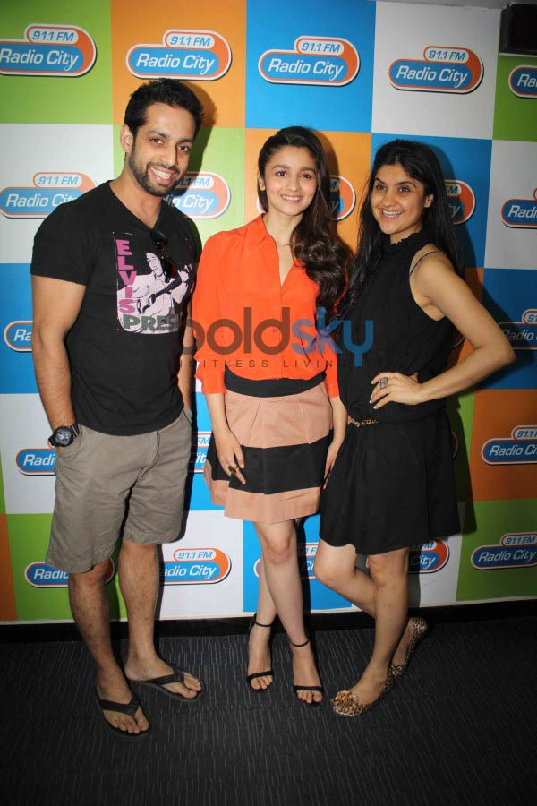 Arjun Kapoor and Alia Bhatt during 2 states promotion