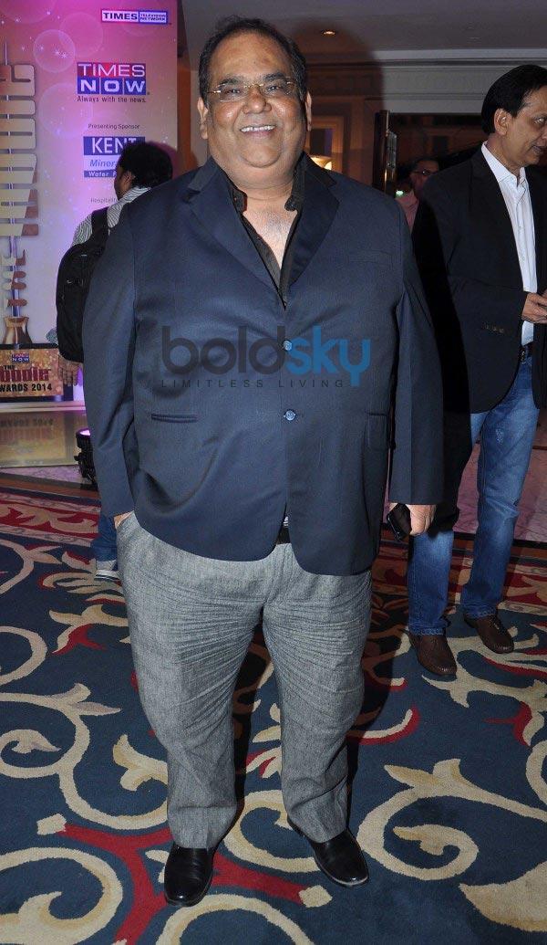 Kangana Ranaut and Randhir Kapoor at Times Now Foodie Awards