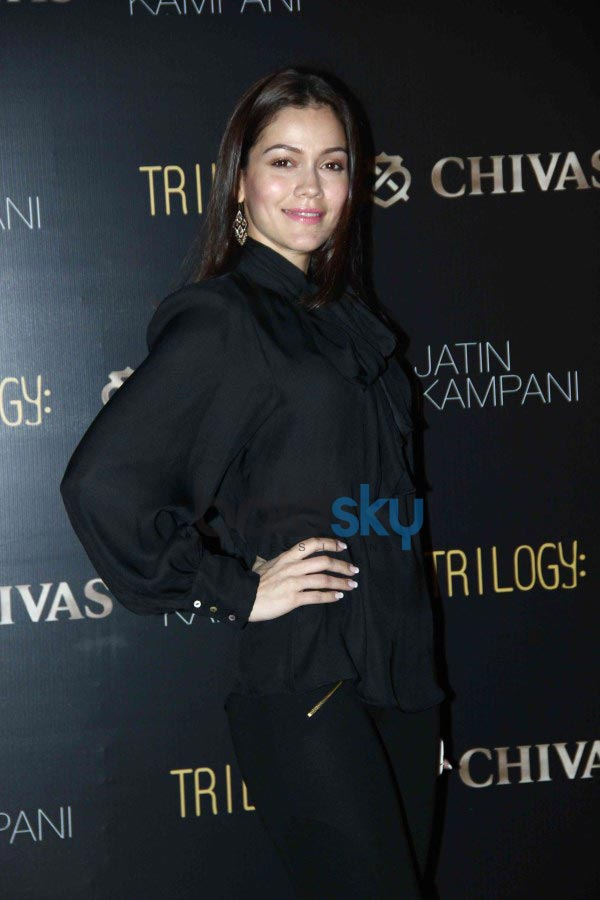 Lara Dutta & Dia Mirza at Chivas bash