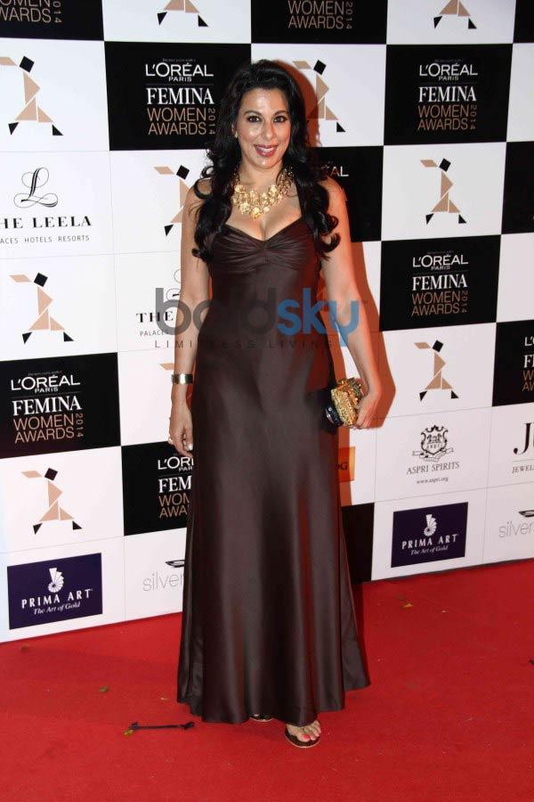 Celebs stuns at L Oreal Paris Femina Women Awards 2014