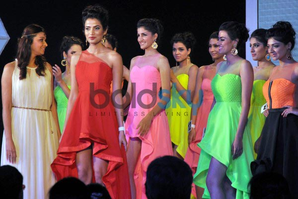 Malaika and Tamanna at Femina Style Diva North India 2014