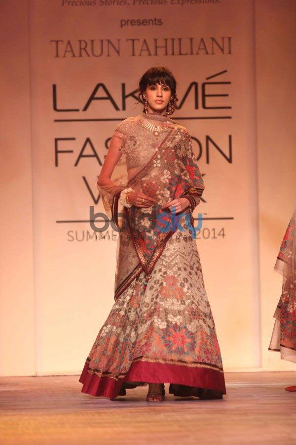 LFW 2014 Tarun Tahiliani Show