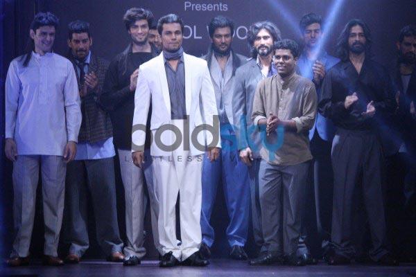 Randeep Hooda walks for The Woolmmark Company and Raymond show