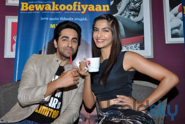 Sonam Kapoor and Ayushman stuns during Bewakoofiyan promotion