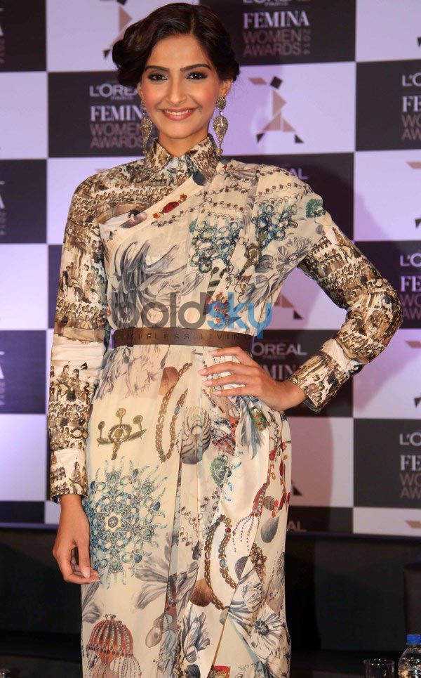 Sonam Kapoor stuns during L'Oreal Paris event