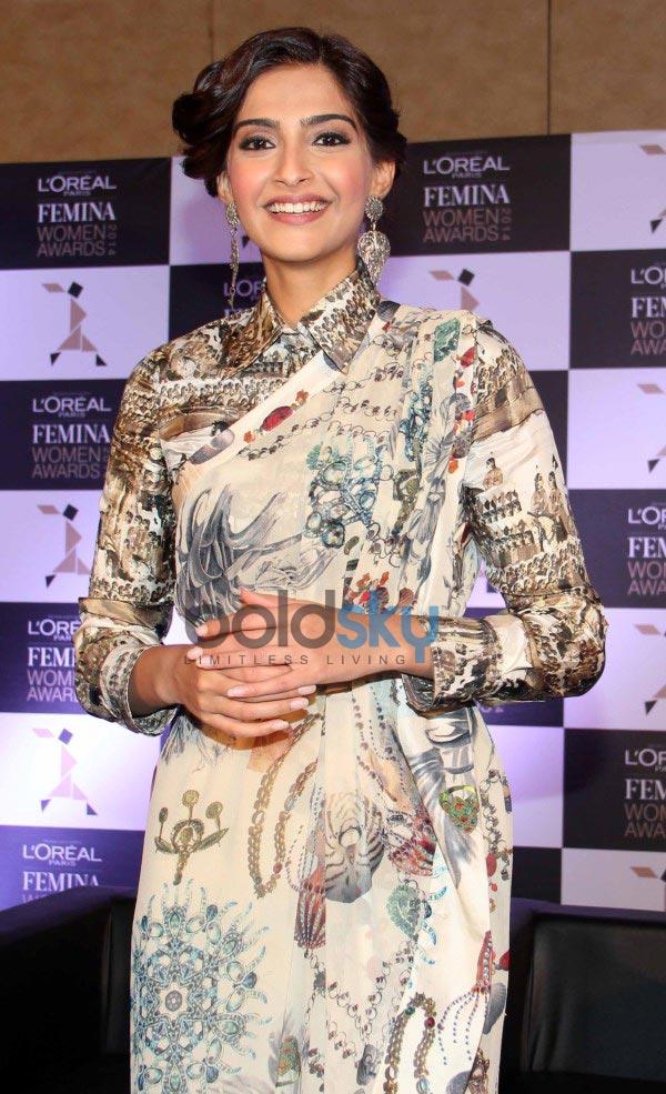Sonam Kapoor stuns during L'Oreal Paris event