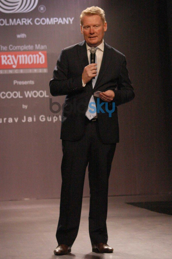 Randeep Hooda walks for The Woolmmark Company and Raymond show