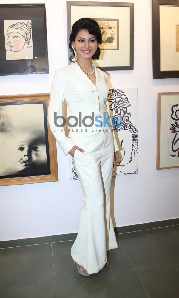 Celebs at JS art gallery's new studio launch