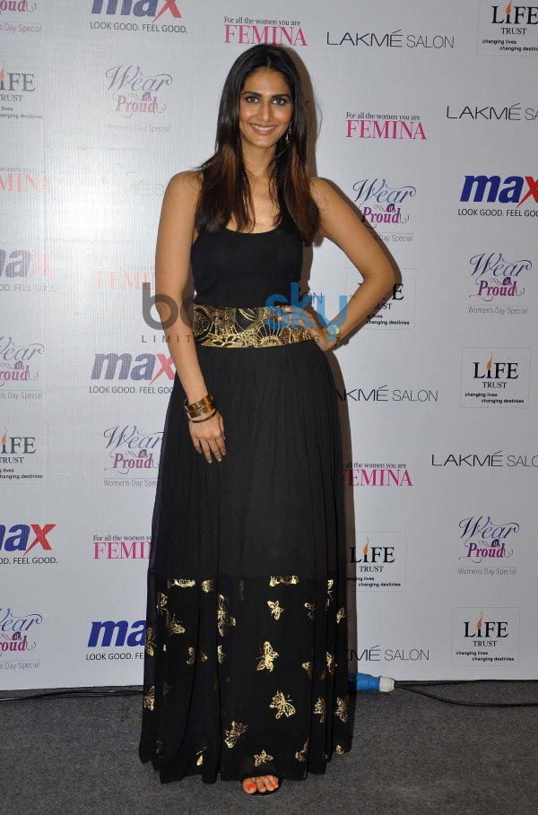 Vaani Kapoor unveils Max Summer 2014 collection