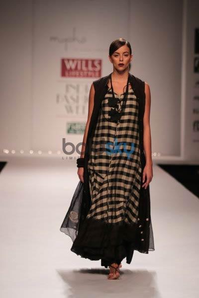 WIFW 2014 day 2 Kiran & Meghna show