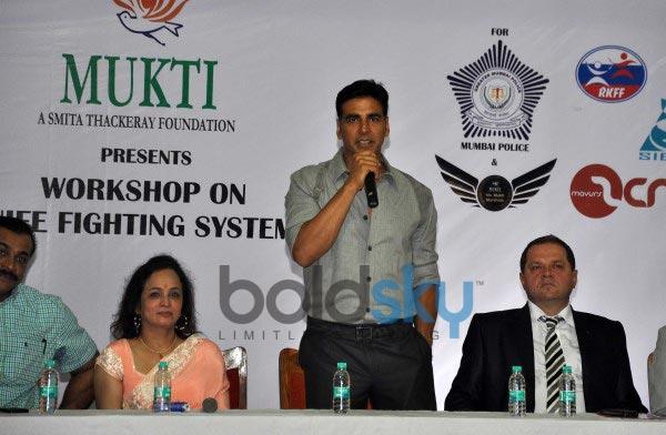 Akshay Kumar at Tolpar Knife Training & unarmed combat training session