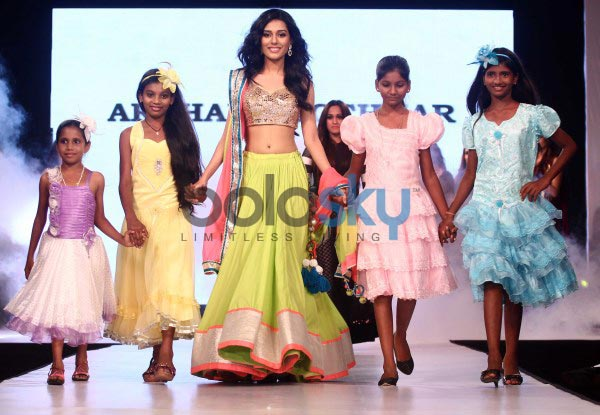 Celebs stuns at Smile Foundation fashion show