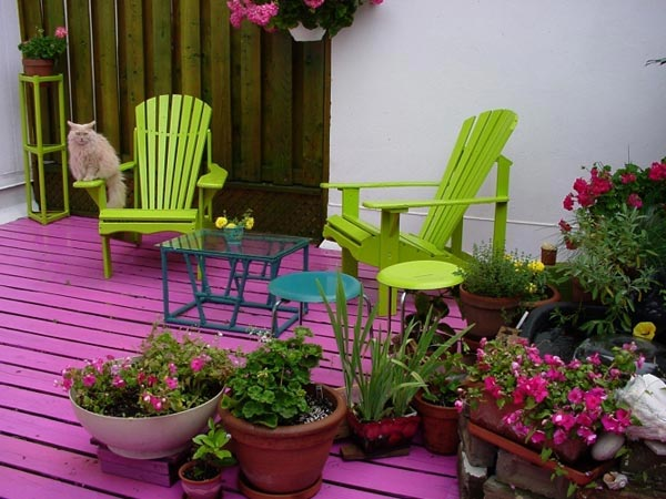 Decorate Summer Balcony With Accessories