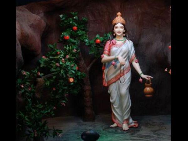 Devi Brahmacharini Second Goddess Of Navratri
