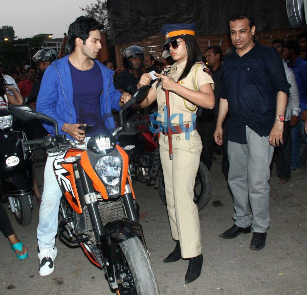Varun Dhawan and Ekta Kapoor during Main Tera Hero promotion