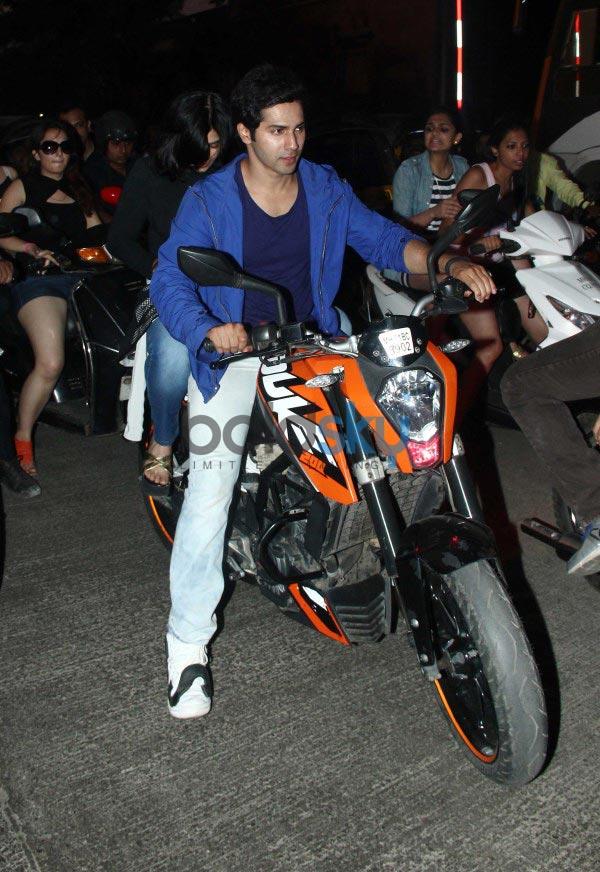 Varun Dhawan and Ekta Kapoor during Main Tera Hero promotion Photos ...
