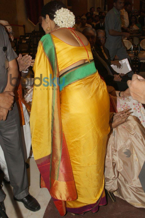 Vidya Balan and Kamal Haasan stuns during award function