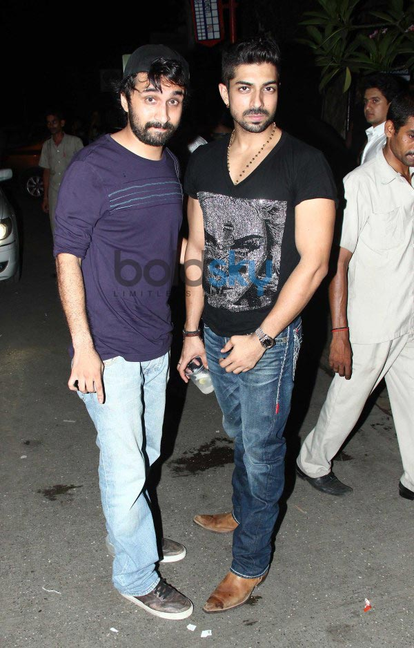 Ranbir , Shahid Kapoor other Celebs spotted at Bandra