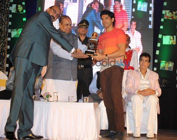Farhan Akhtar and Juhi Chawla at Dadasaheb Phalke Awards