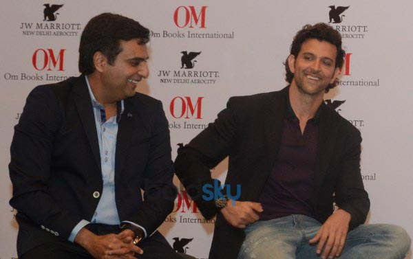 Hrithik Roshan unveil To Dad With Love Book