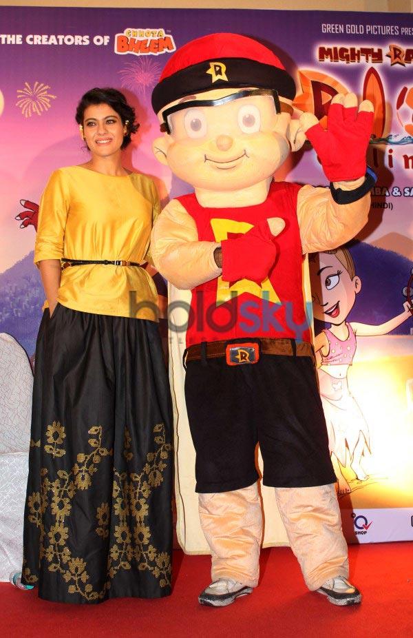 Kajol stuns druing Music launch of Mighty Raju