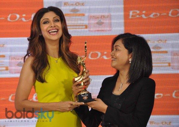 Shilpa Shetty stuns during Yummy Mummy Calender launch