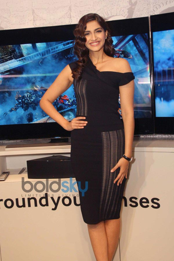 Sonam Kapoor at the unveiling of Samsung Curved TV Range