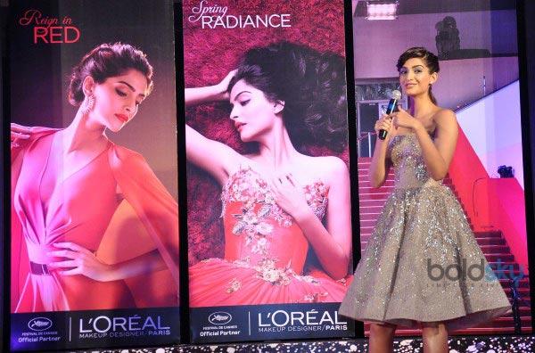 Sonam Kapoor unveil LOreal Paris makeup collection