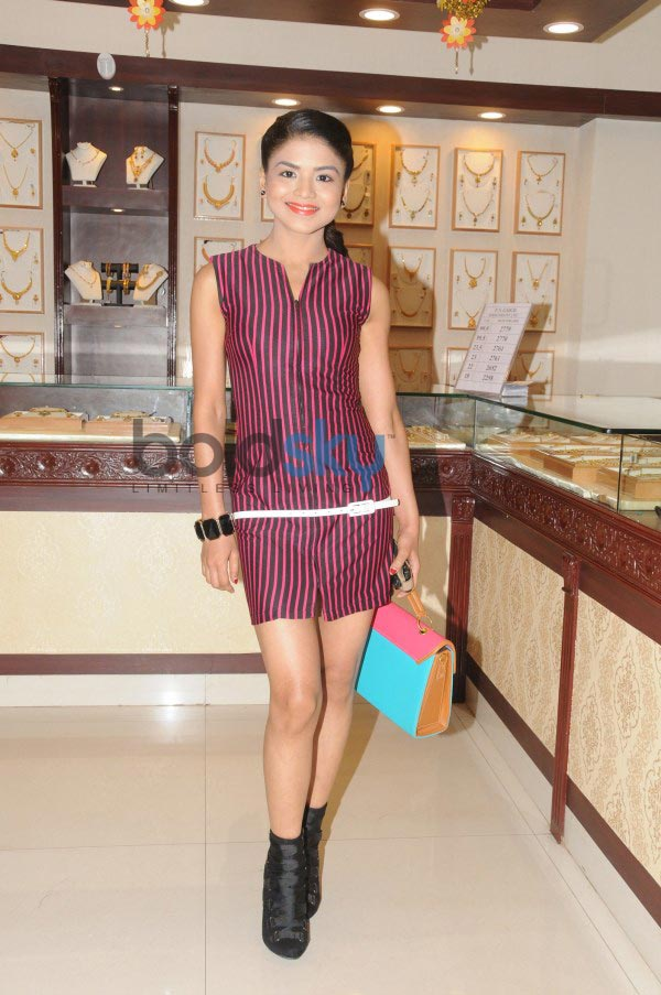 P N Gadgil Jewellers Showcase