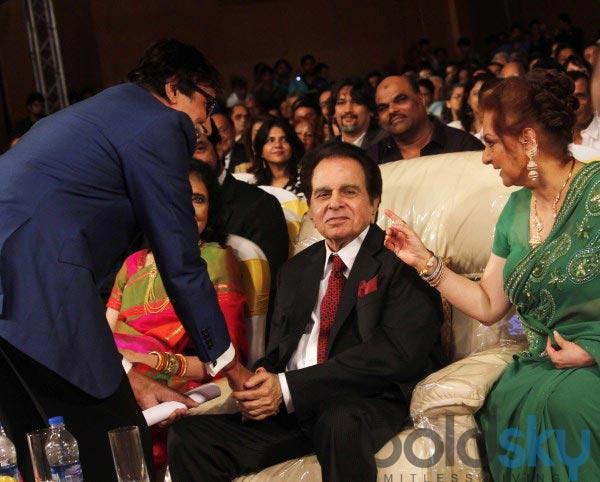 Celebs stuns at Dilip Kumar Autobiography Launch