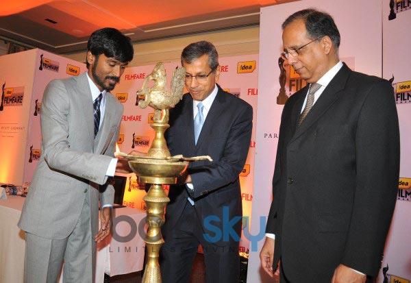 Dhanush at Idea Filmfare 2013 Press Conference