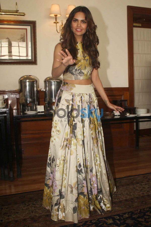 Esha Gupta stuns during Humshakals Film Press Meet