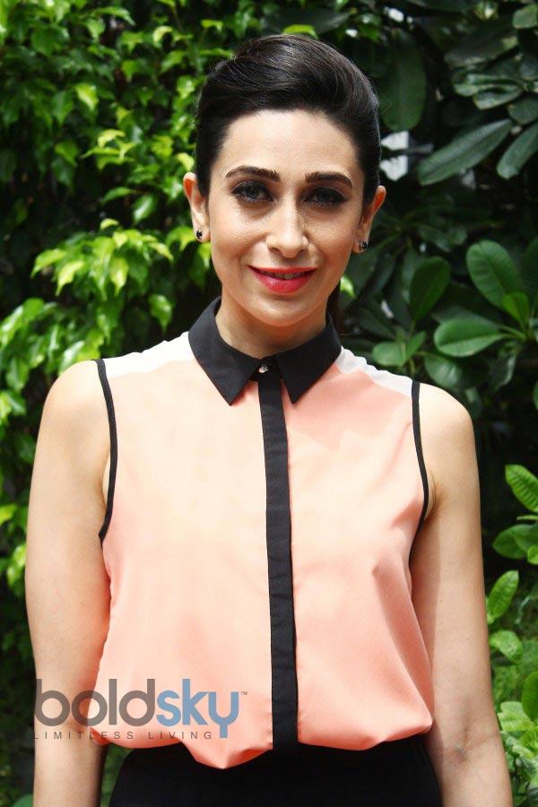 Karisma Kapoor stuns at Jackpot Winners Announcement